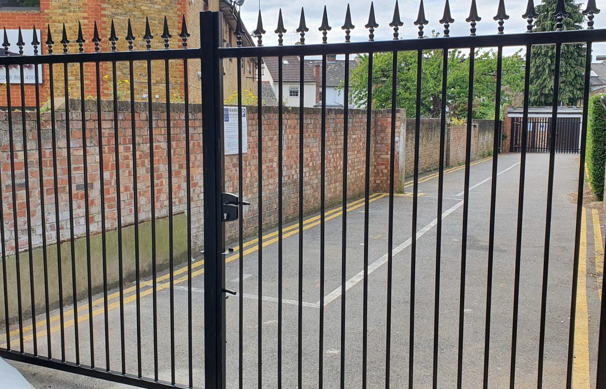 2 GATES ON SITE